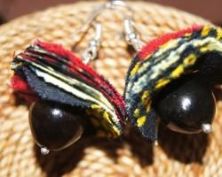 Boucles d'oreilles en tissu Wax et graines Savonnette.